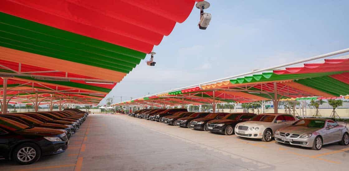 mái che di động kết hợp nhiều màu sắc cho bãi gửi xe