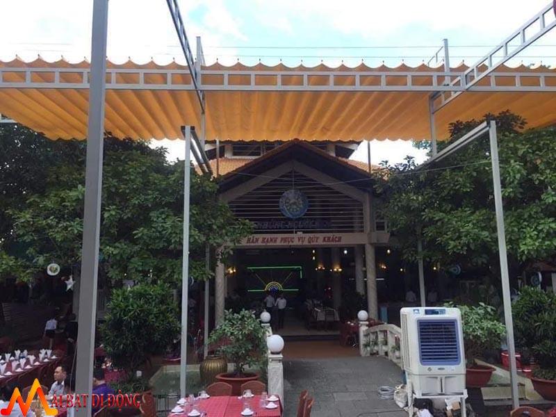 mái che kéo nhà hàng